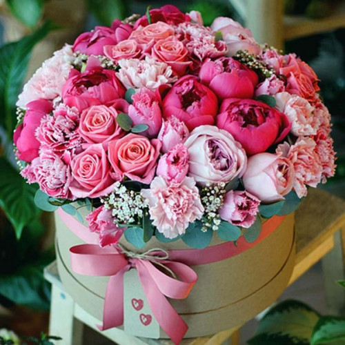 flowers_in_boxes_9.600x600.jpg